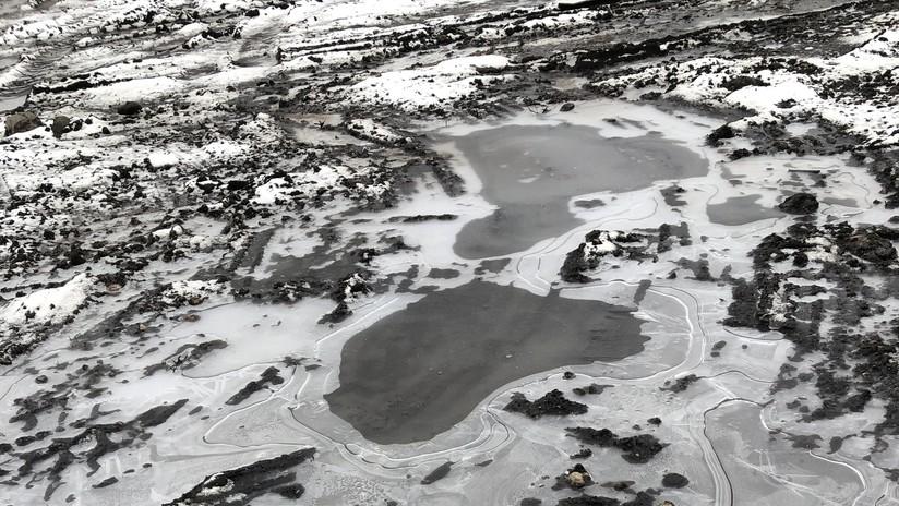 Esta foto 'aérea' de lagos congelados no es lo que parece