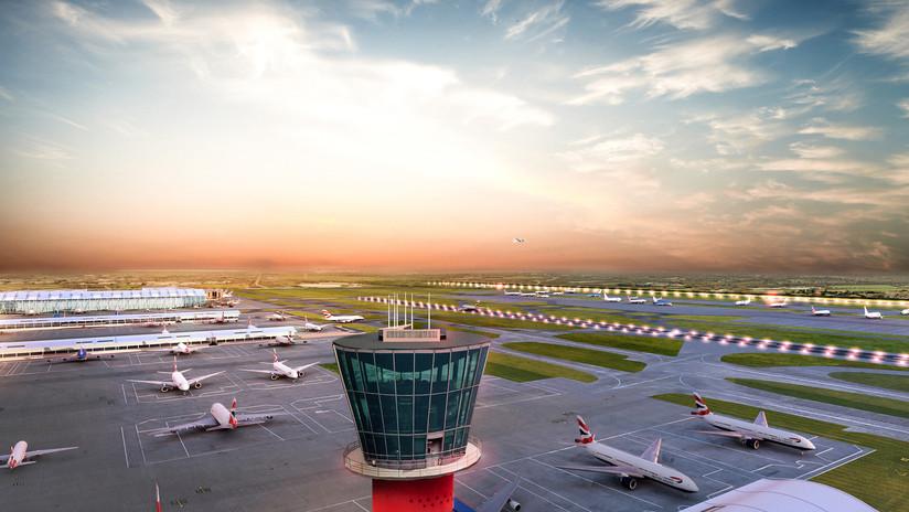 Cierran zona de control del terminal 2 del aeropuerto londinense de Heathrow por paquete sospechoso