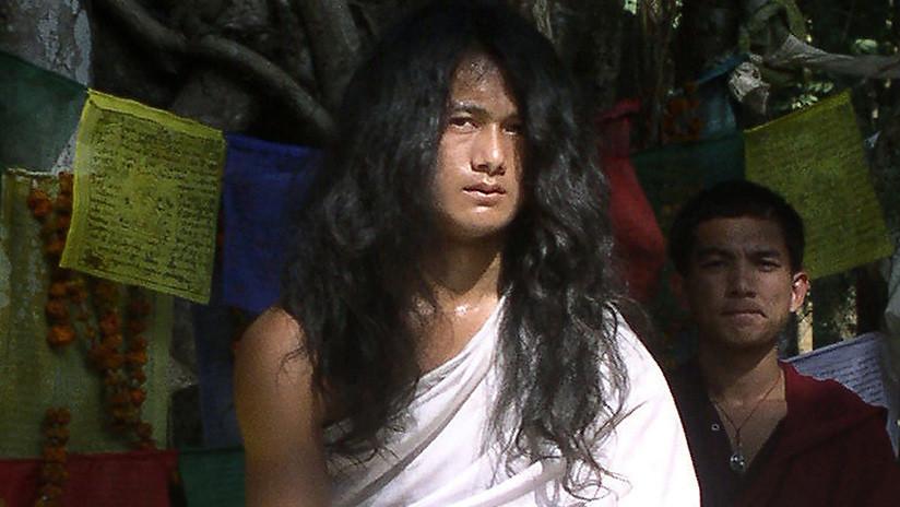 """""""Joven Buda"""" es investigado por la desaparición de algunos de sus devotos"""