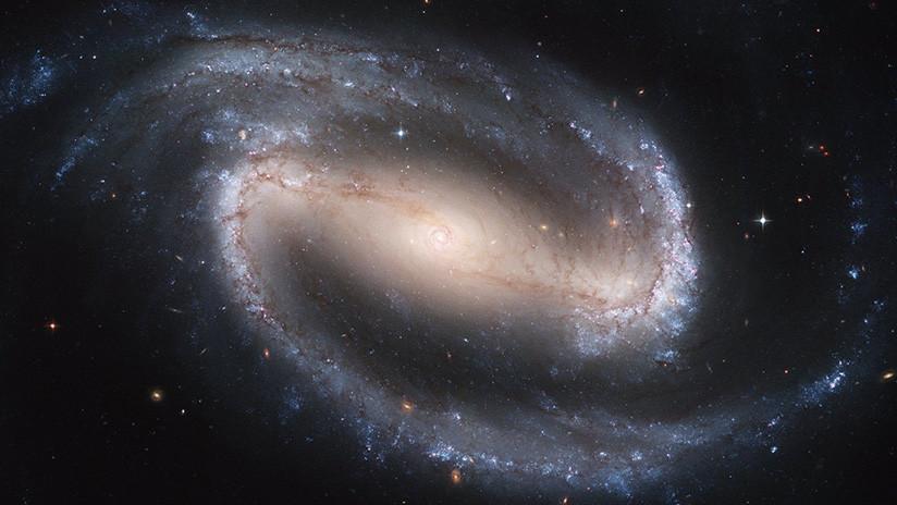 Vuelta de tuerca científica: ¿Existe un 'reflejo' de nuestro universo donde el tiempo va para atrás?