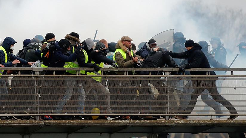 Recaudan 120.000 euros para el boxeador que golpeó a policías durante las protestas en París