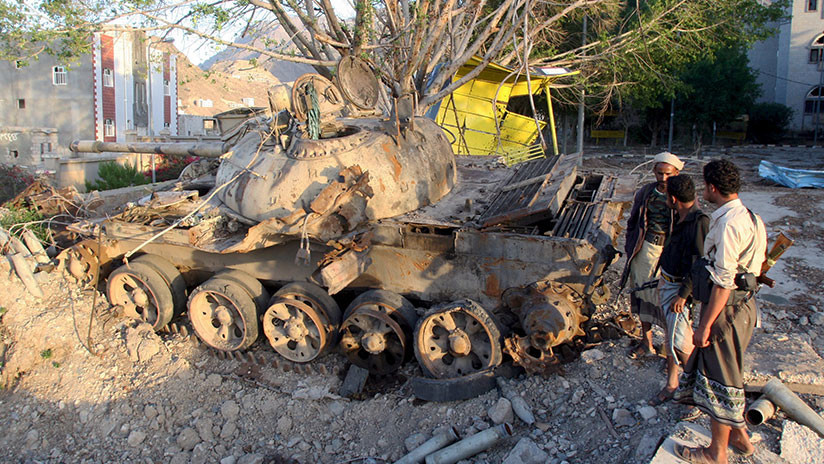 VIDEO: Rebeldes hutíes destruyen un tanque de Arabia Saudita en Yemen