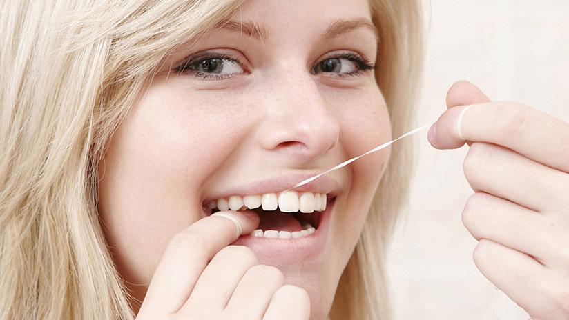 Ojo: su hilo dental puede ser cancerígeno