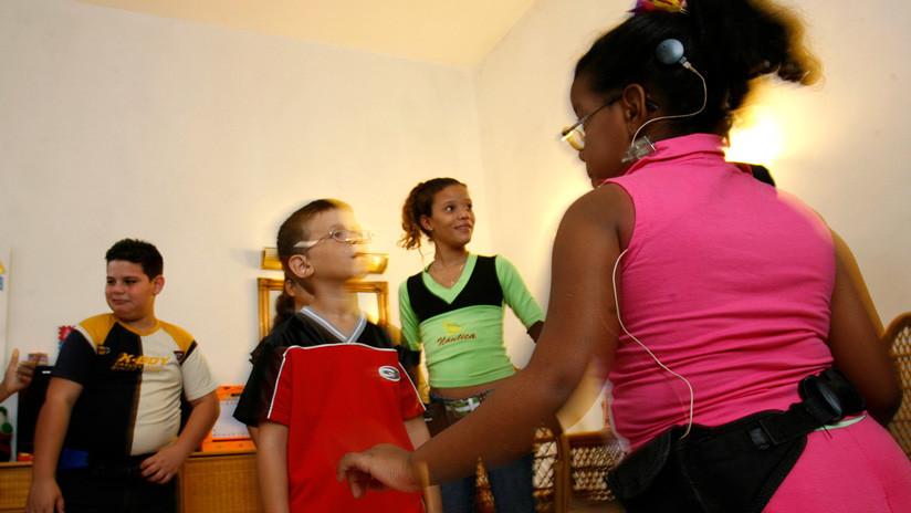 El programa cubano de implantes cocleares devuelve la audición a cientos de niños