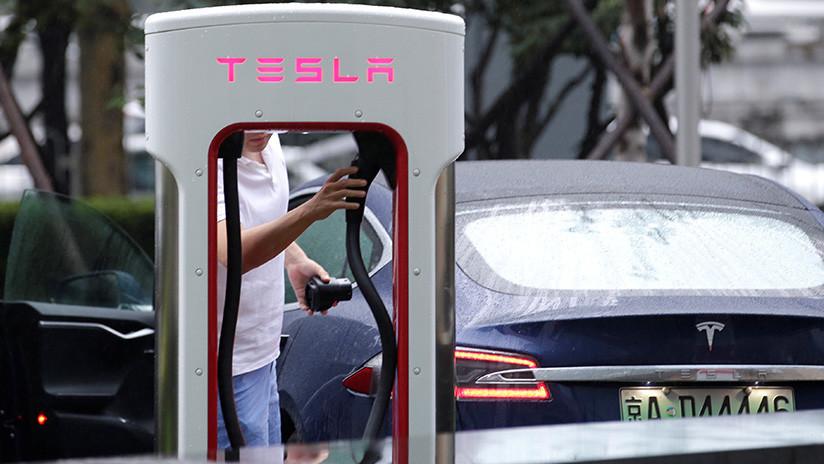 Demandan a Tesla por la muerte de dos ocupantes debido a una batería defectuosa