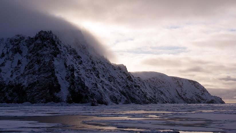 Google Maps 'borra' una isla rusa en el Ártico (pero la puedes ver aquí)