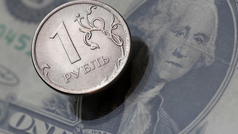 Rusia se deshace de 100.000 millones de dólares de sus reservas en favor del yen, el euro y el yuan