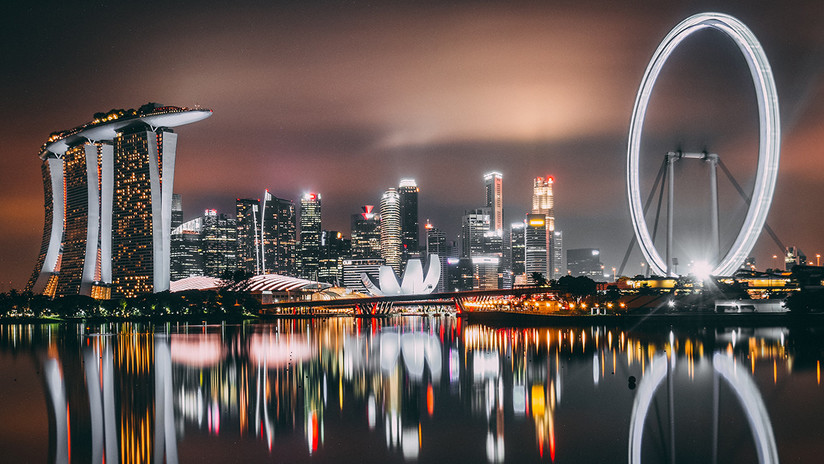 Se pierde en Singapur y vive diez días en la calle por no atreverse a preguntar a la gente