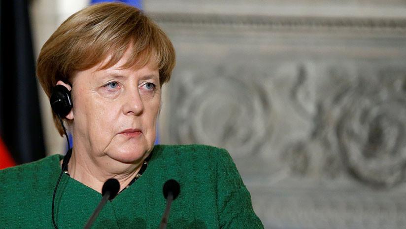 """Merkel """"inspecciona el desierto que creó"""": Varoufakis critica la visita de la canciller a Grecia"""