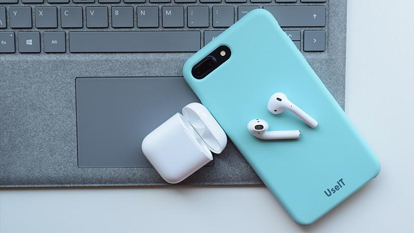 """¿Va a """"arruinar vidas""""? La función 'James Bond' para espiar a otros con auriculares de Apple"""