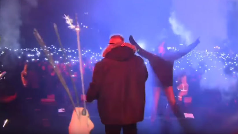 Publican videos del momento del ataque con un cuchillo a un alcalde polaco en pleno concierto