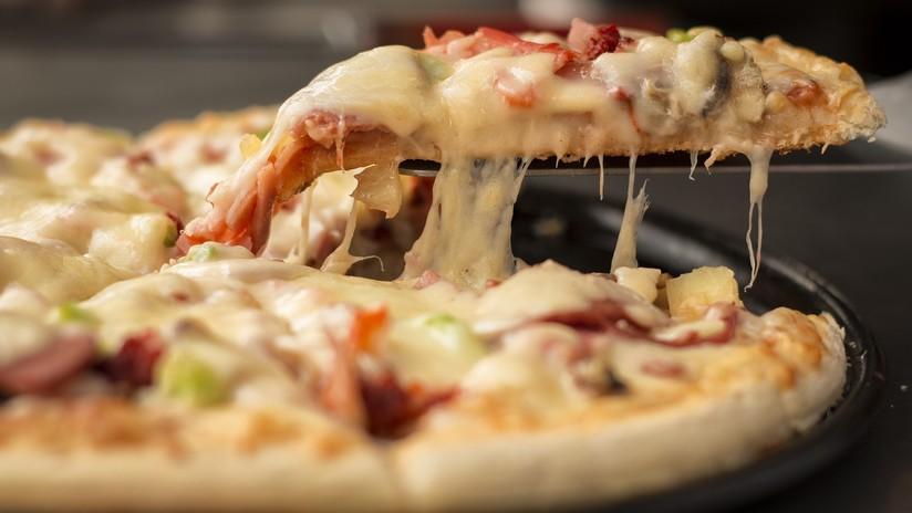 Controladores aéreos de Canadá envian pizzas a sus colegas de EE.UU. sin salario por el 'shutdown'