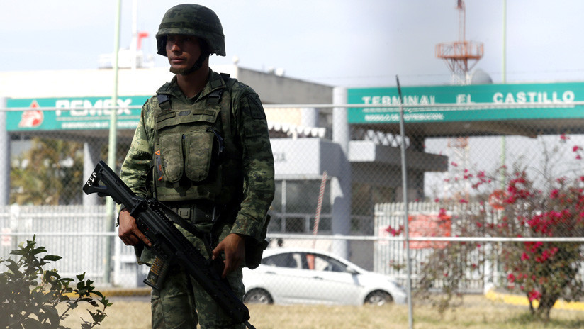 Vigilancia en ductos de Pemex será permanente: AMLO