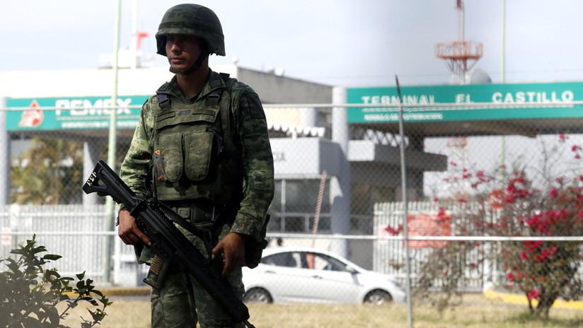 Al menos 435 detenidos en operación contra robo de combustible en México