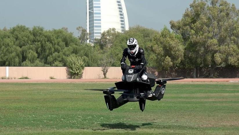 VIDEO: Lanzan una moto voladora que alcanza velocidades de casi 100 km/h
