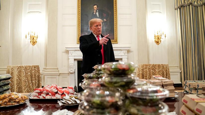 """""""La gran comida estadounidense"""": Trump da hamburguesas en una recepción y la Red se llena de memes"""
