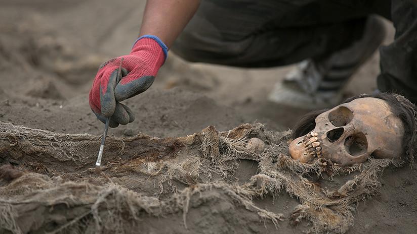 Arqueólogos en Perú hallan restos de 132 niños sacrificados por una antigua tribu