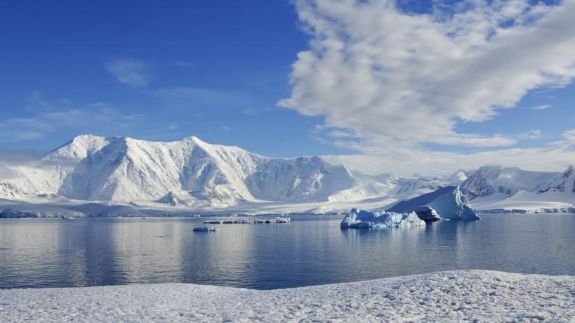 Hallan vida en un lago antártico sepultado bajo más de un kilómetro de hielo