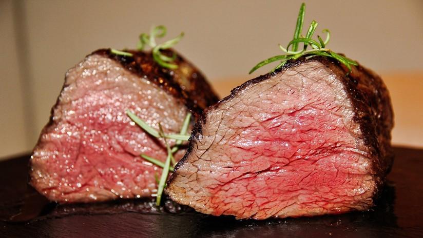 FOTOS: Deja un filete crudo en su coche y encuentra la carne asada horas después