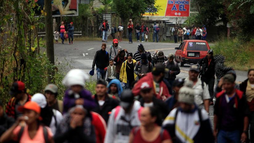 """""""Habrá migración hasta que cambie la realidad en Honduras"""": La nueva caravana avanza hacia Guatemala"""