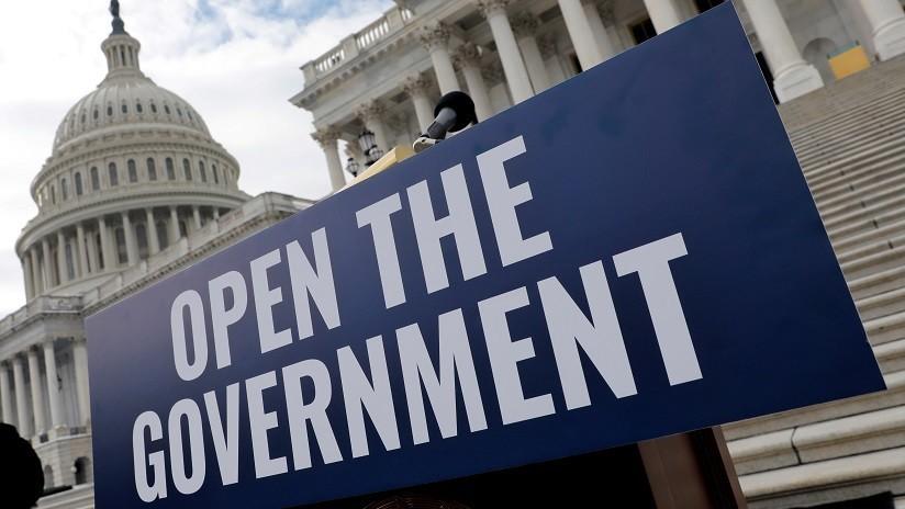 ¿Quién recibe su salario a pesar del 'shutdown' en EE.UU. y quién debe apretarse el cinturón?