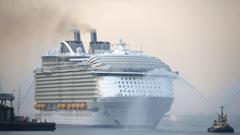 Un adolescente muere al caer de un crucero mientras intentaba entrar a su camarote por el balcón