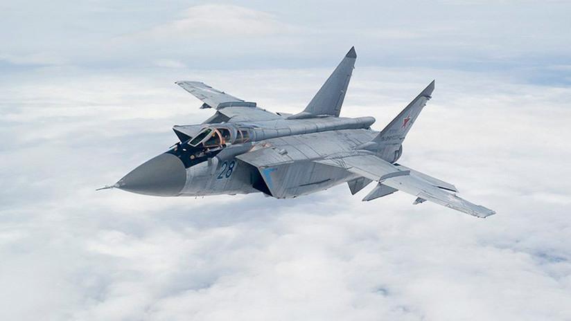 Cazas MiG-31 rusos 'combaten' en la estratosfera en un ejercicio a velocidades supersónicas