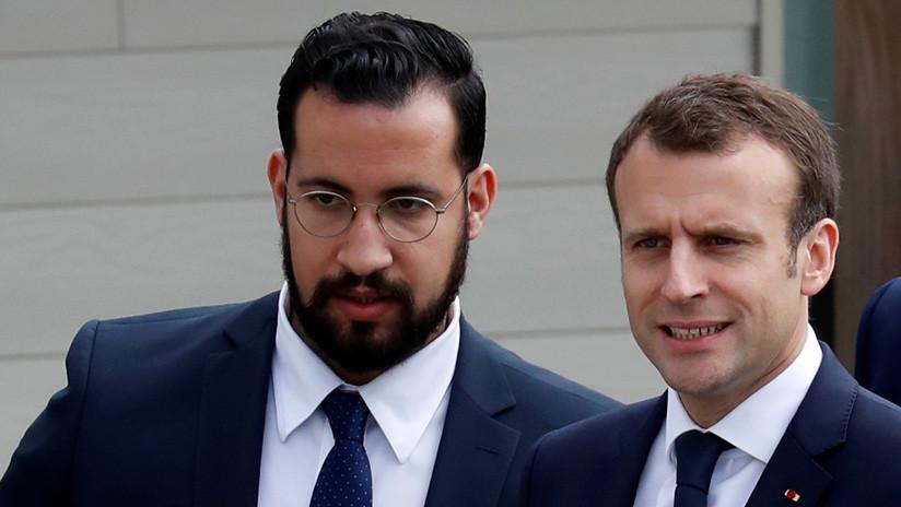 El exagente de seguridad de Macron bajo custodia por el uso de pasaportes diplomáticos