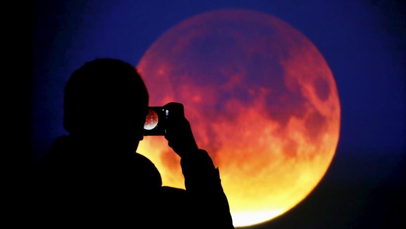 ¡Visible en toda América!: Cómo y cuándo observar la 'superluna de sangre' (INFOGRAFÍAS)