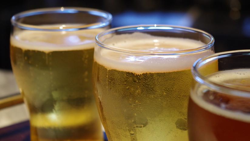 Ingresa a terapia intensiva por coma alcohólico y le salvan la vida con 15 latas de cerveza