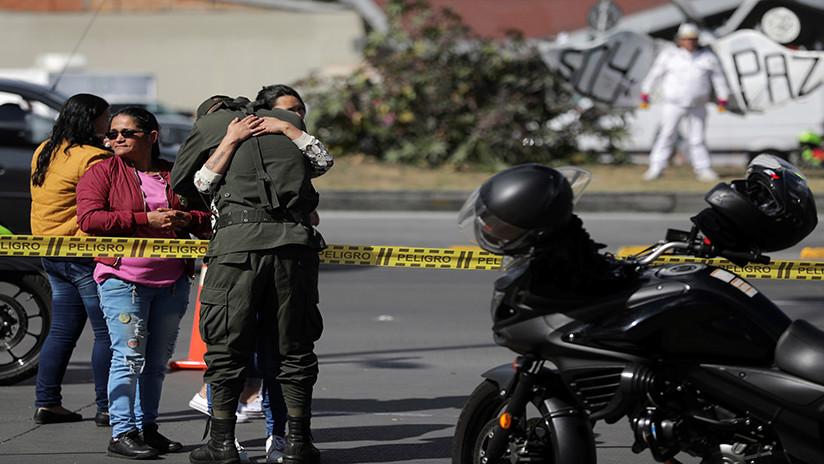 La foto del momento en que el carro bomba ingresa en la escuela policial en Bogotá
