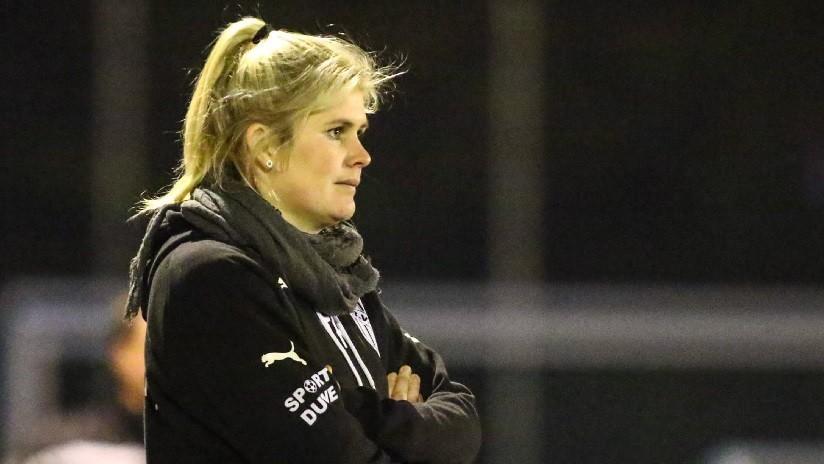 """""""Elijo a futbolistas por el tamaño de pene"""": Inusual respuesta de entrenadora a una pregunta sexista"""