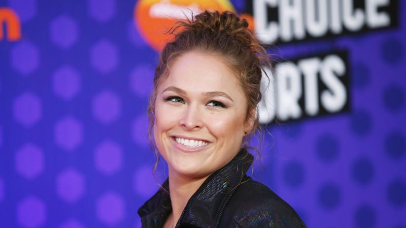 VIDEO La campeona de la WWE Ronda Rousey da voz a la icónica Sonya Blade en el nuevo Mortal Kombat