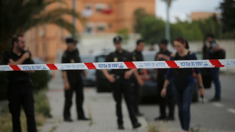 Un español condenado por matar a su esposa asesina presuntamente a su abogada y después se suicida