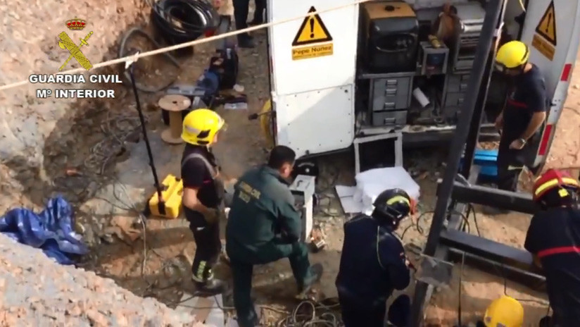 VIDEO: Primeras imágenes de las labores de rescate del niño de 2 años atrapado en un pozo en España