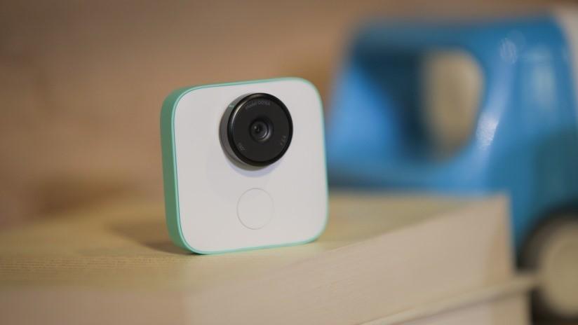 Familia sufre una pesadilla al alquilar una casa en Airbnb y descubrir cámaras de vigilancia dentro