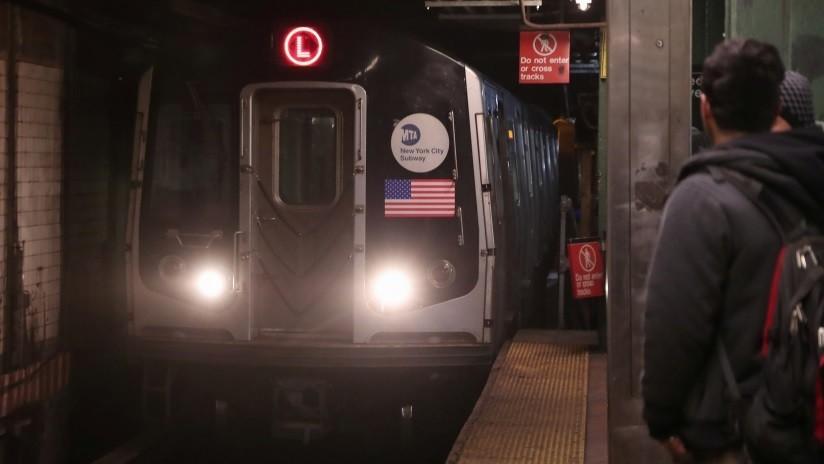 VIDEO: Un hombre escapa por un túnel del metro de Nueva York tras intentar violar a una mujer