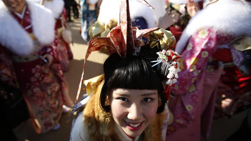Una cantante de pop japonesa se disculpa por denunciar que fue agredida y causa indignación