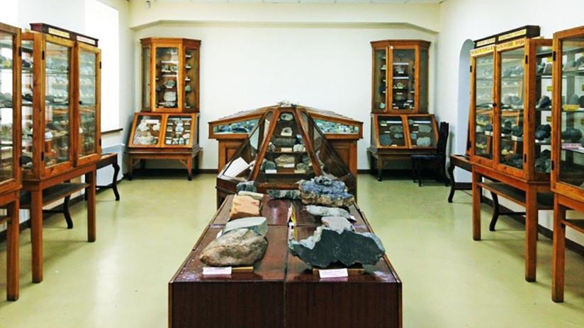 FOTO: Hallan un millonario tesoro de la última dinastía rusa oculto 80 años en una alcoba secreta
