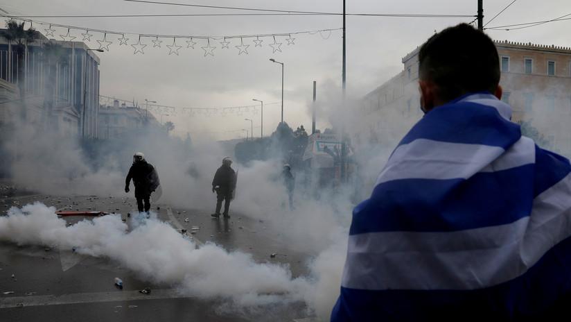 Un colaborador de la agencia Sputnik en Grecia resulta herido en las protesta en Atenas