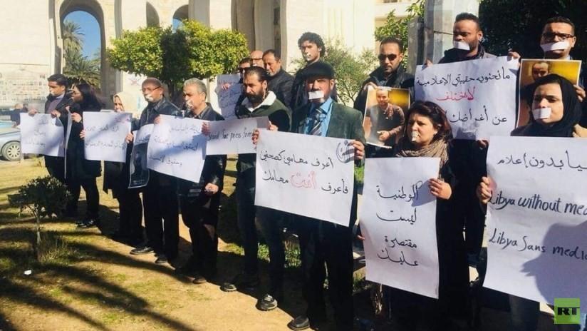 FOTOS, VIDEO: Periodistas libios protestan en las calles contra asesinato del colaborador de Ruptly