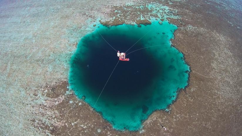 Hallan el agujero azul marino más profundo del mundo