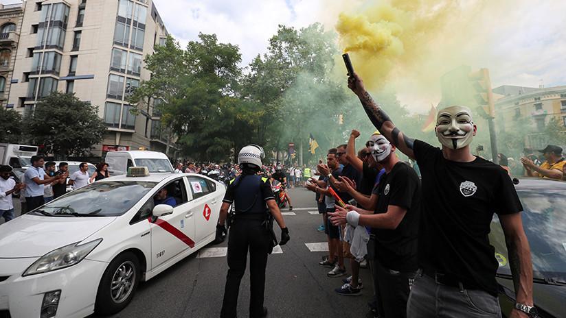 Uber y Cabify anuncian que dejarán de operar en Barcelona ante la presión del gremio de taxistas