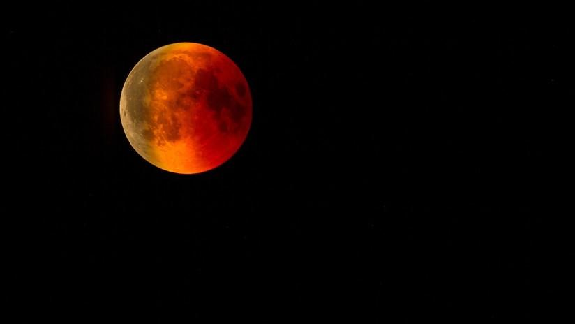 VIDEO: Un meteorito se estrella en la Luna durante el eclipse de 'superluna de sangre'