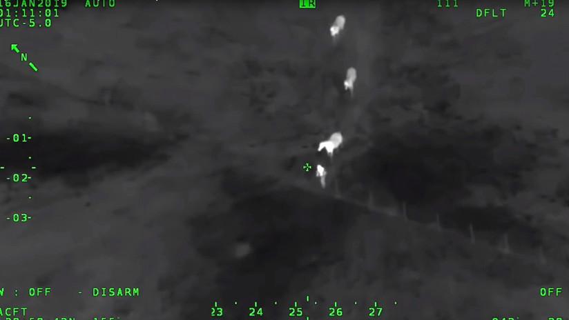 VIDEO: Caballos 'justicieros' ayudan a la Policía a atrapar a un delincuente prófugo en EE.UU.