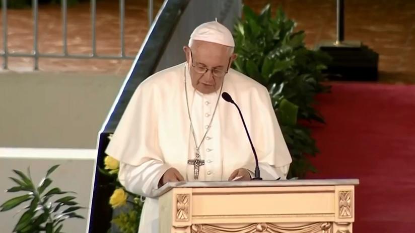"""El papa Francisco llama a la """"hospitalidad"""" al referirse a las migraciones durante su visita a Panamá"""