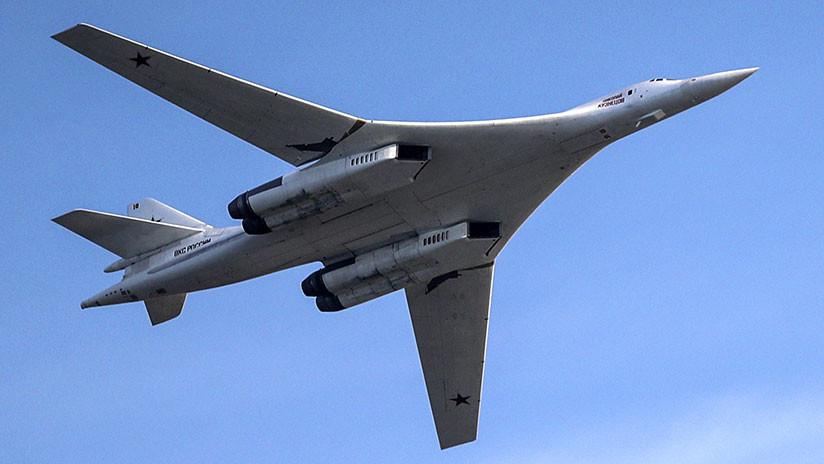 'Cisnes blancos' en el Ártico: Dos Tu-160 rusos sobrevuelan las aguas del Extremo Norte ruso (VIDEO)