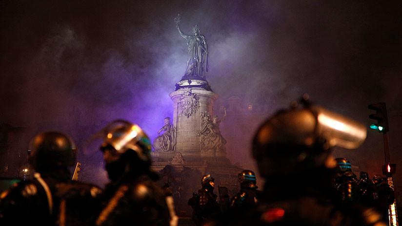 VIDEO: Las protestas de los 'chalecos amarillos' en París no cesan