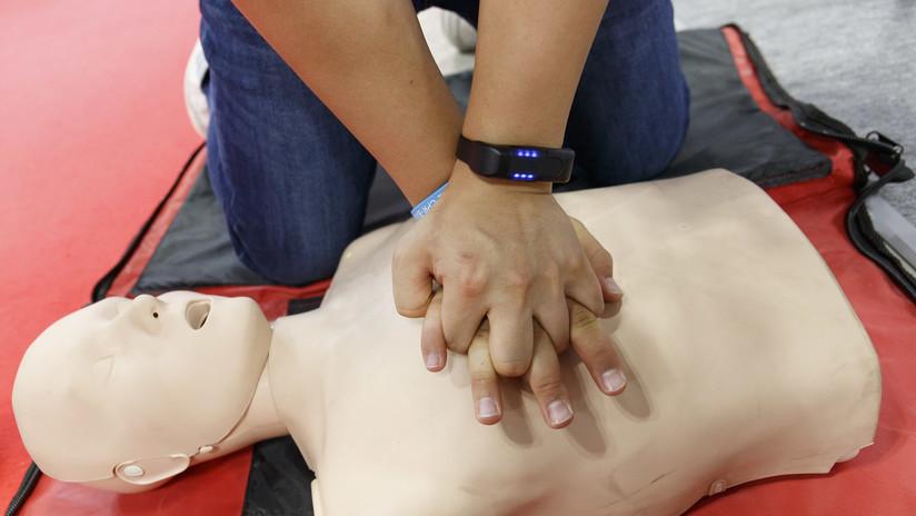 Salva la vida de una mujer gracias a las reglas de reanimación que vio en la serie 'The Office'