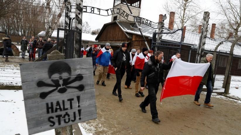 Nacionalistas polacos llaman a luchar contra los judíos en el Día del Holocausto en Auschwitz
